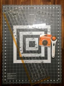 rotary cutter cutting board blades rulers fiskars omnigrid